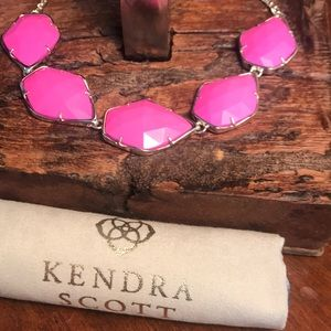 NWT Kendra Scott Connely Necklace in Pink!!